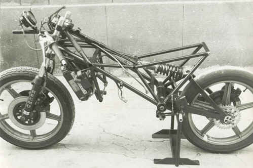 Duda suspensión moto circuito - ForoCoches